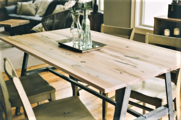 lamon-luthers-reclaimed-wood-furniture-helps-homeless-reclaim-lives